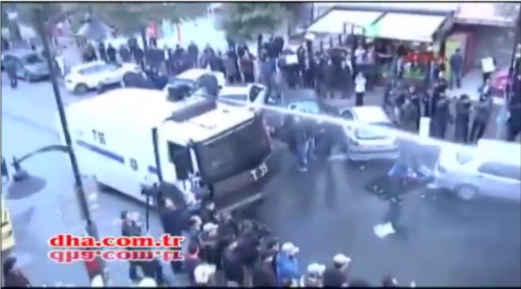 Turkish police water cannon