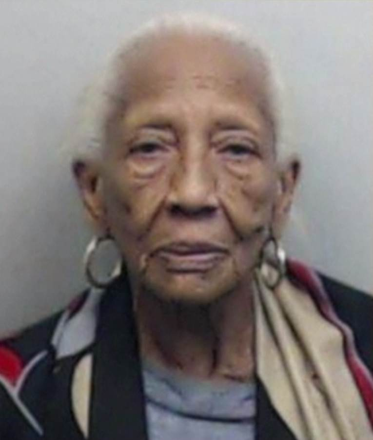 Notorious 86-year-old jewel thief Doris Payne arrested again - at Walmart