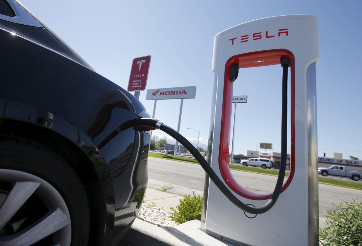 Tesla Wants To Install Superchargers At Petrol Stations