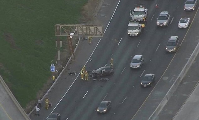 Los Angeles Car Accident: US: Body Of California Driver Thrown Onto 20 Foot High