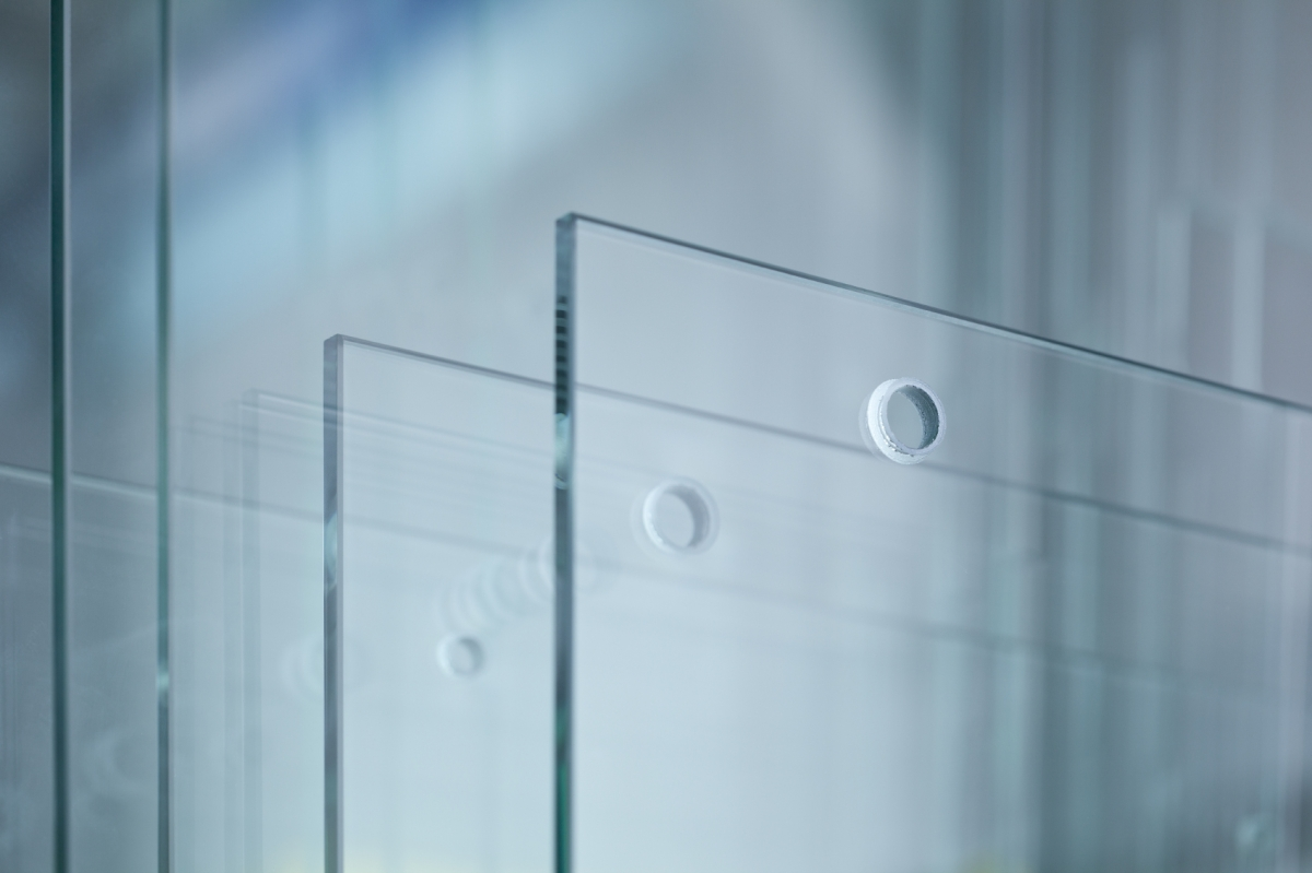 Japanese scientists create unbreakable glass