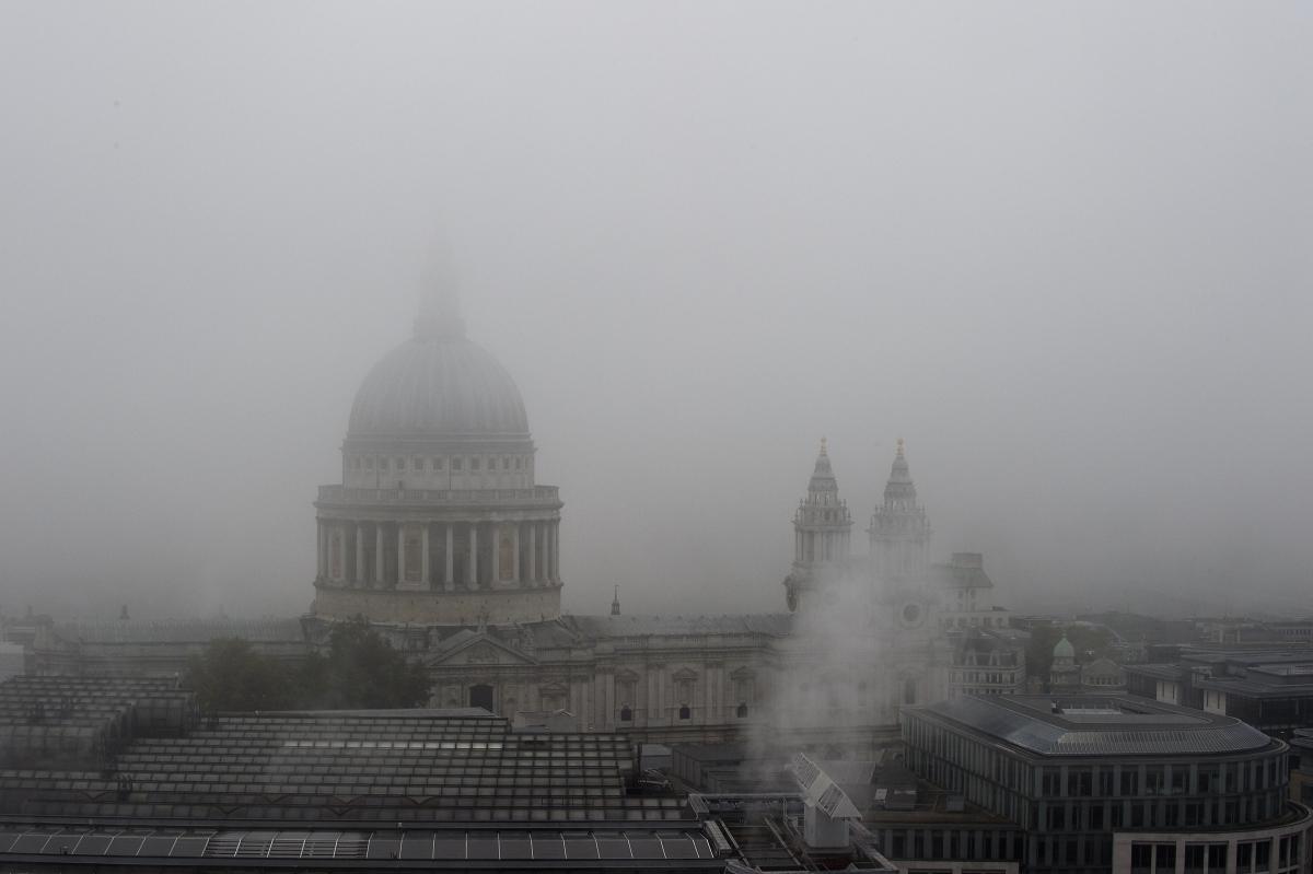 UK fog flights delayed
