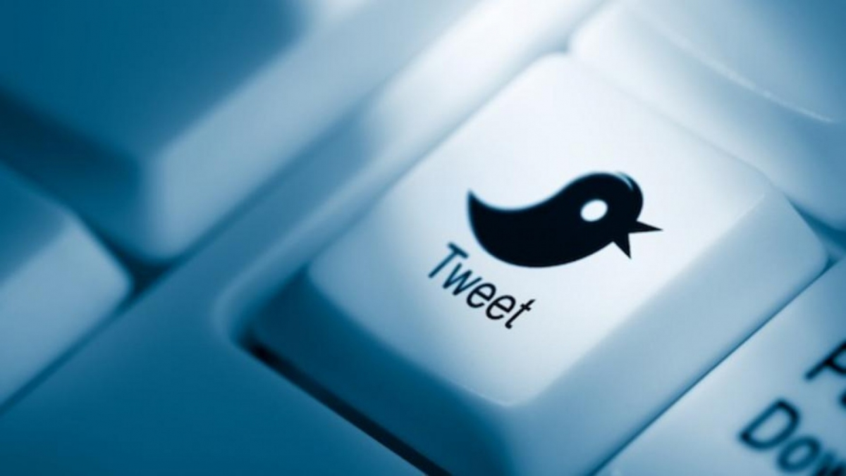 Tweeting on Twitter