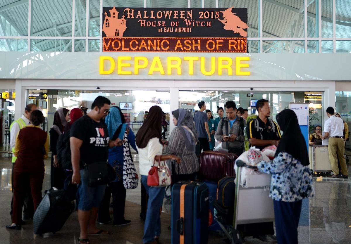Bali airport volcano eruption