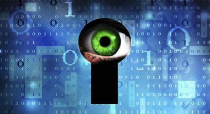 Eye through keyhole