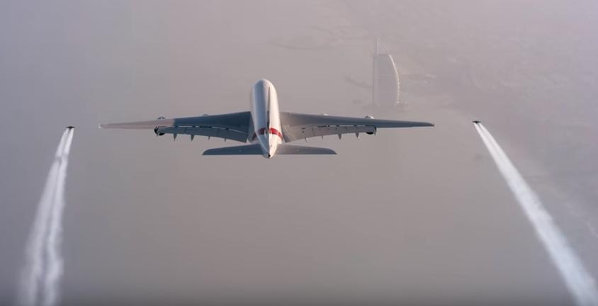 Emirates Jetmen flying stunt
