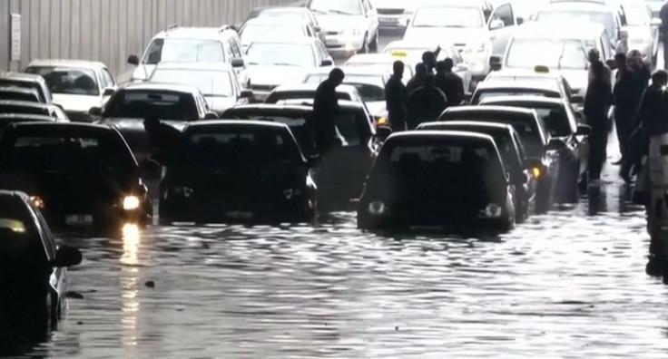Jordan: Heavy rain causes flooding chaos in Amman
