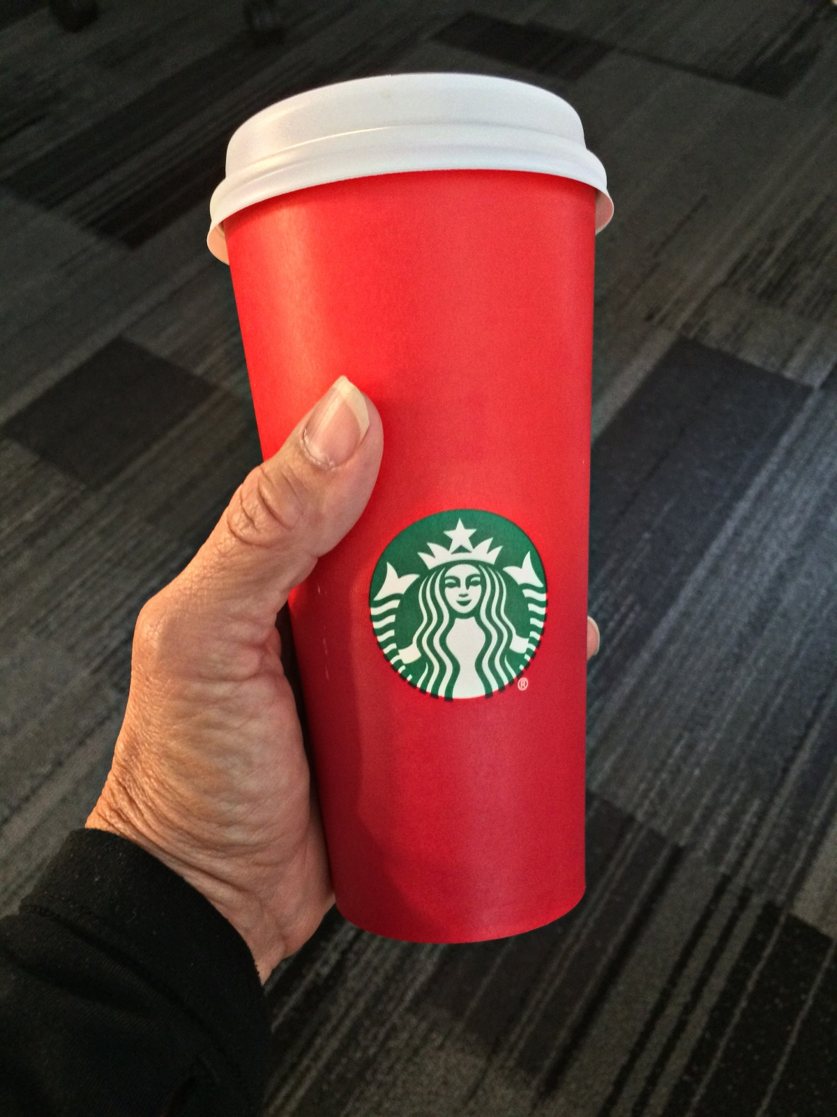 war on christmas starbucks customers  plain about red