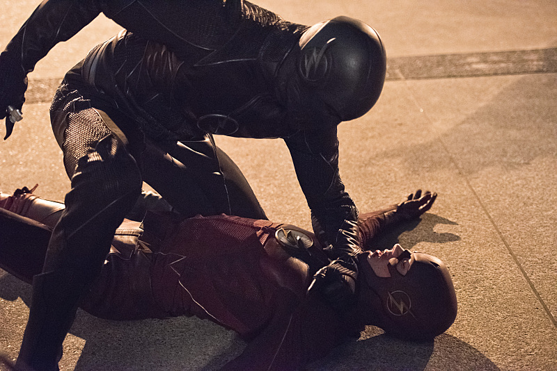 Flash season 2 episode 6