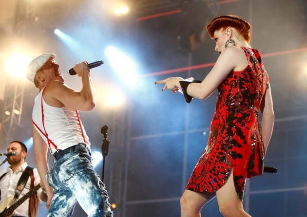 Singers Shaers and Matronic of US band Scissor Sisters