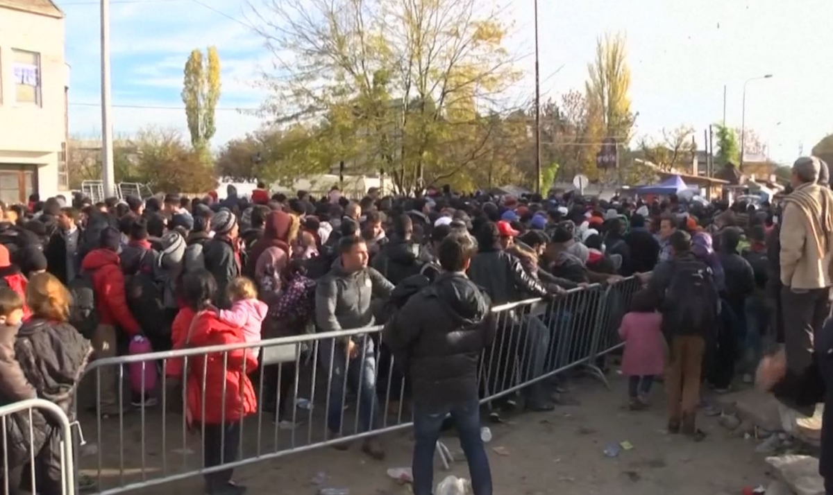 Chaos in Serbia as thousands forced to queue for registration