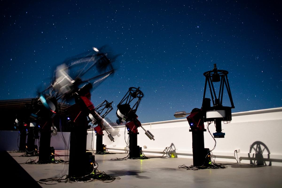 MEarth-South telescope array
