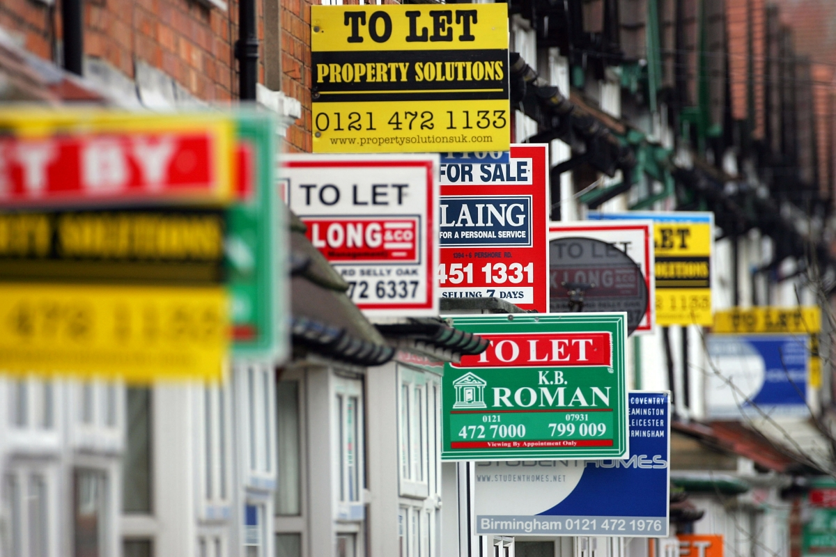 House prices increase at less than half the rate of March 2016