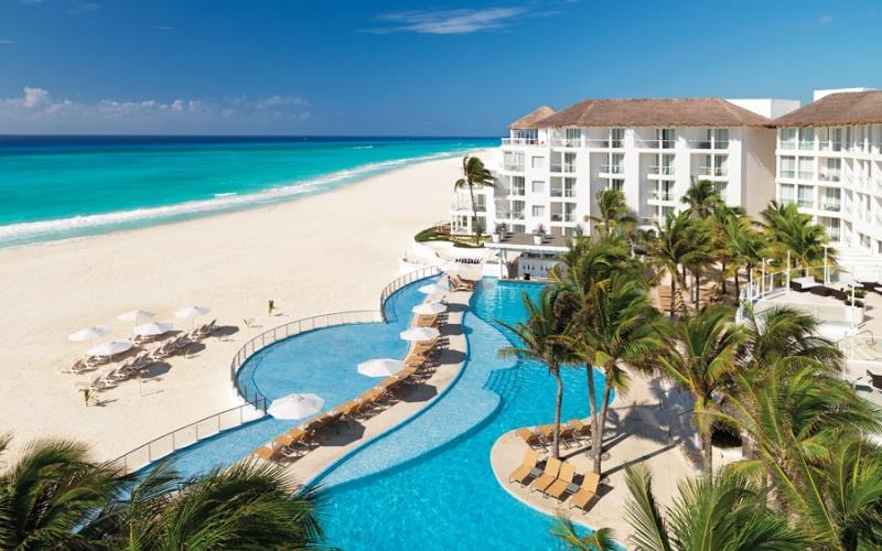 Playaca Palace hotel