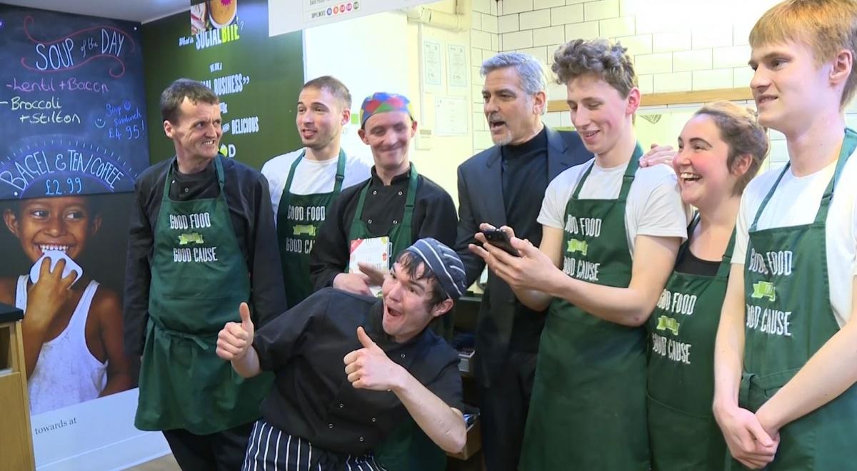 Clooney visits Edinburgh sandwich shop