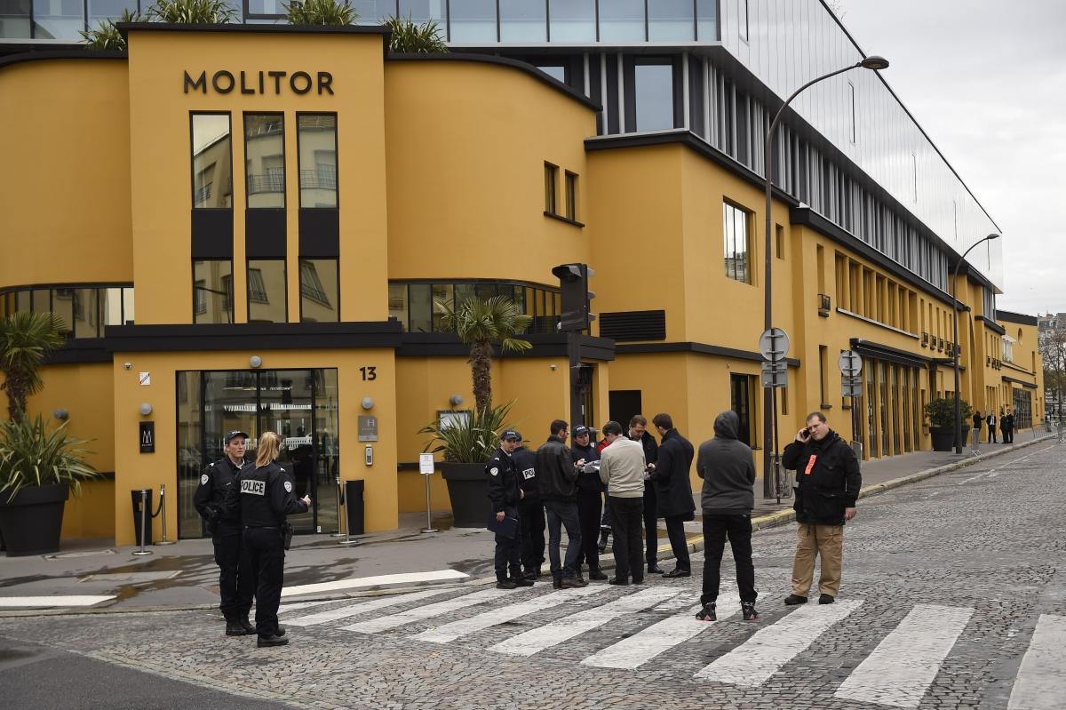 France vs germany german national team evacuate paris for Molitor hotel paris