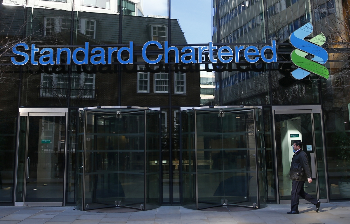 Standard Chartered hit by China forex suspension