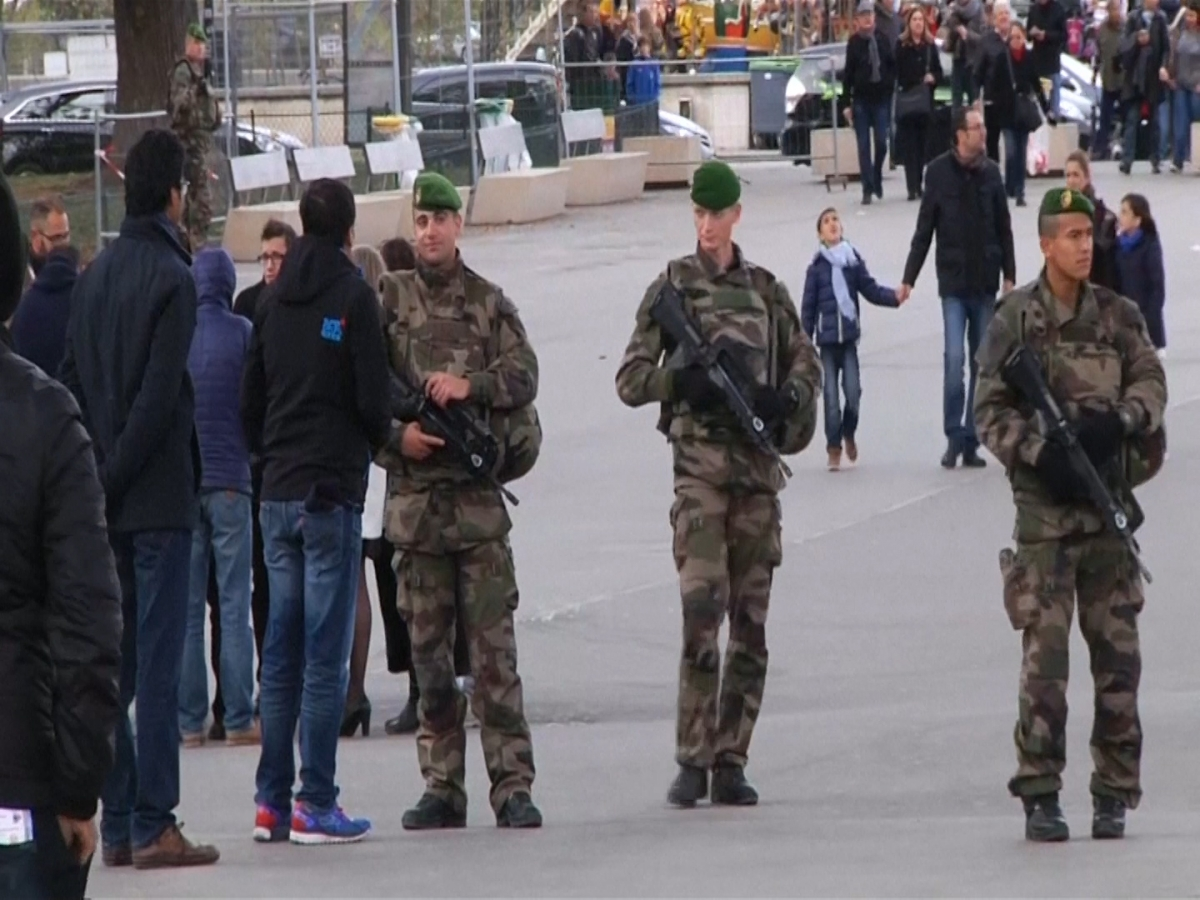 Eiffel Tower closed as army called into city