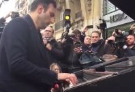 Pianist in front of Bataclan