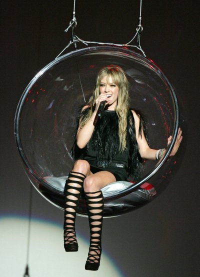 Singer Hilary Duff performs during 2005 American Music Awards in Los Angeles