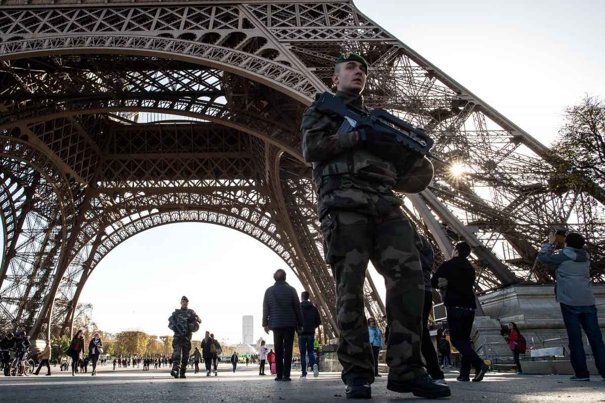 Paris attacks soldier