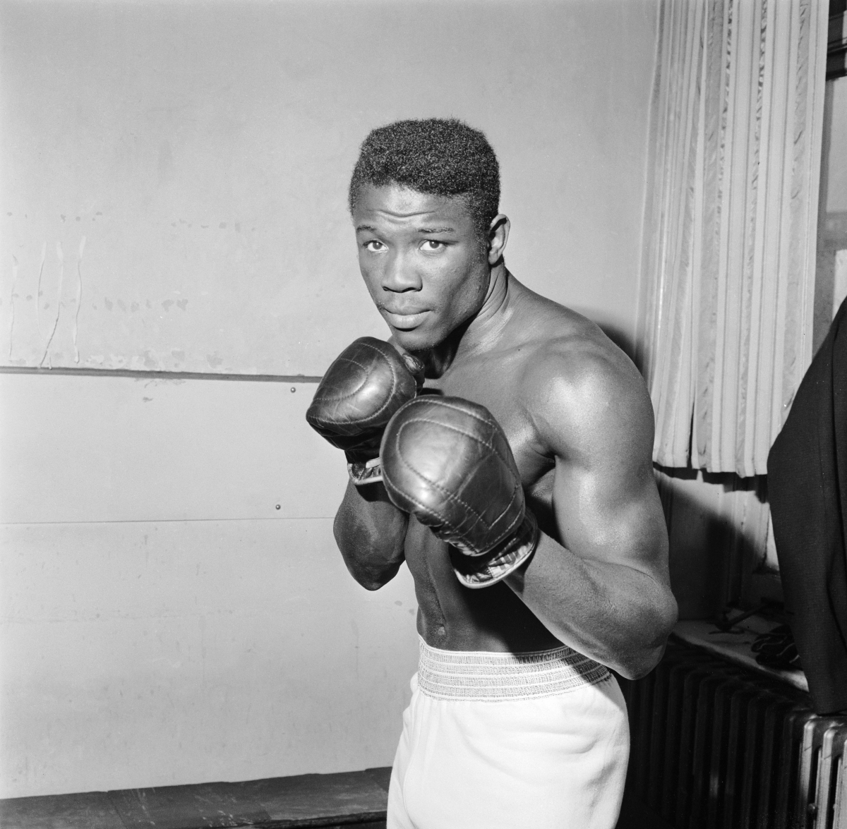 an analysis of who killed benny paret by norman cousins Bernardo benny the kid paret (march 14, 1937 – april 3, 1962) was a cuban welterweight boxer who won the world welterweight championship twice in the early 1960s.