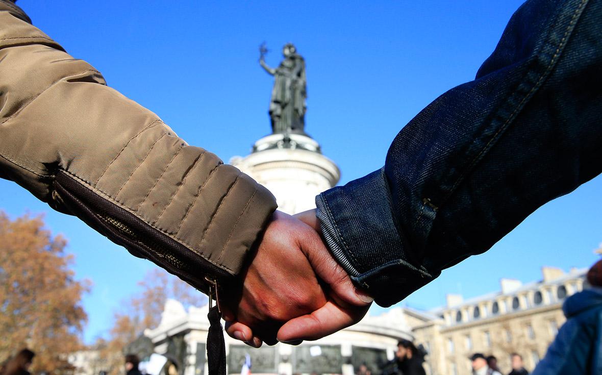 Paris attacks mourning