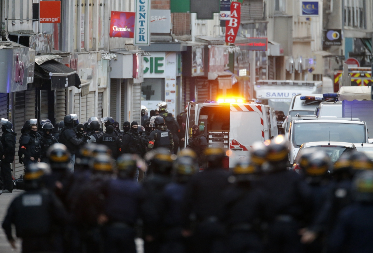 Police raids Saint Denis apartment