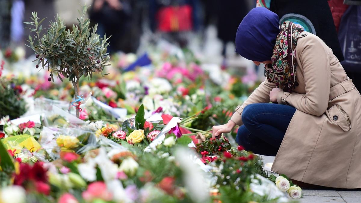Young Muslim assaulted after Paris attacks