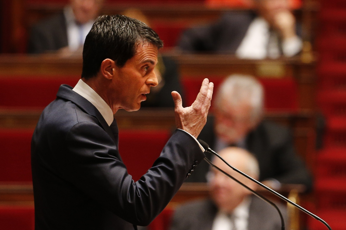Manuel Valls addresses parliament