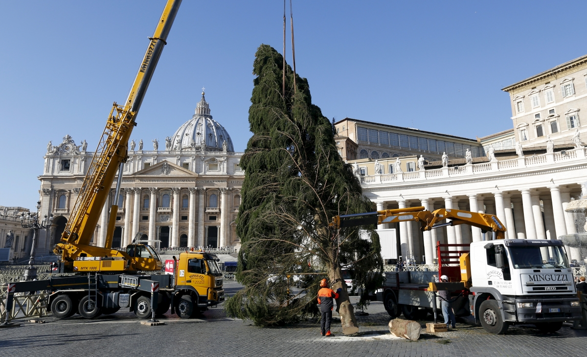 St peter's square Isis vatican