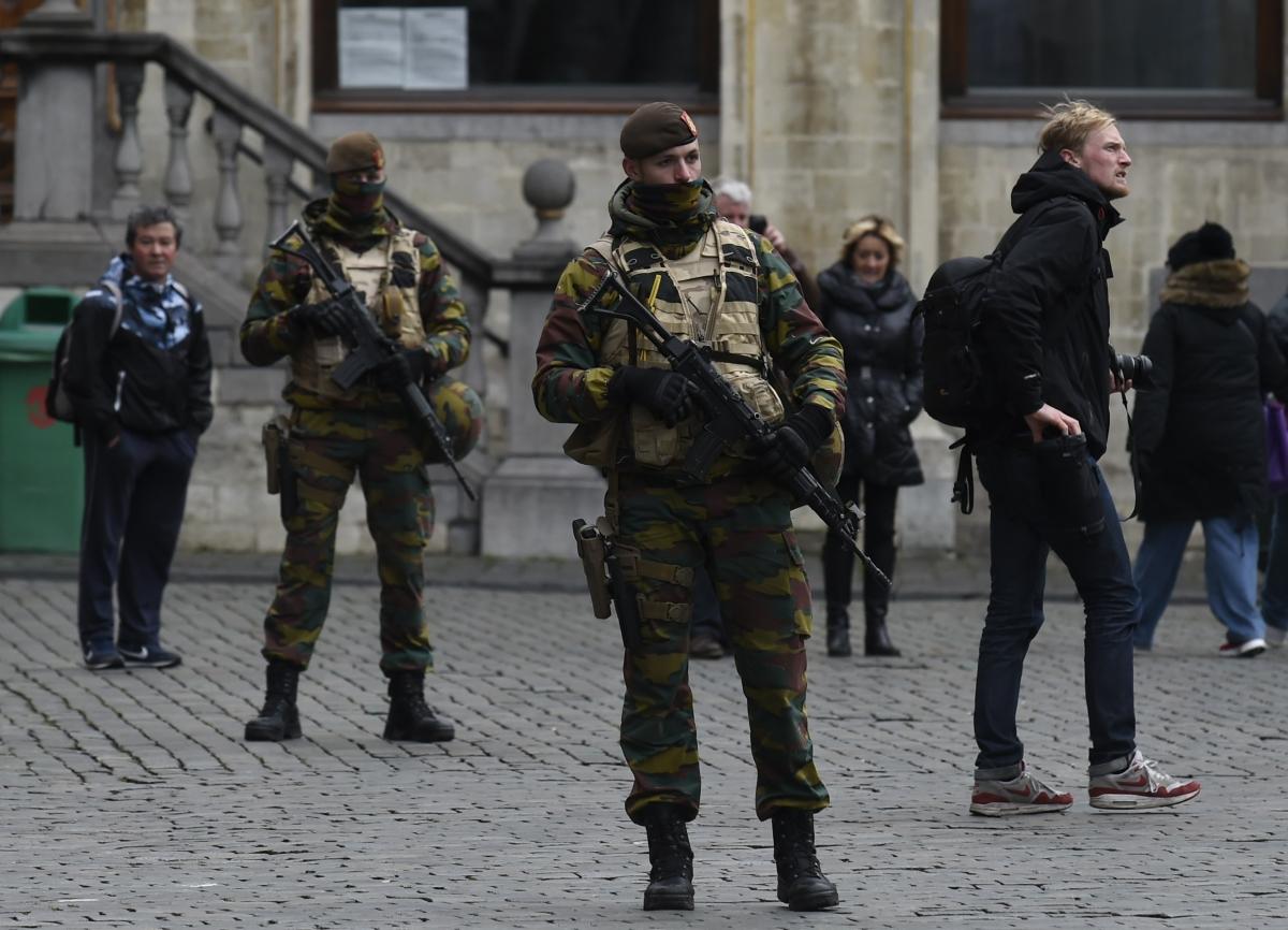 Soldiiers patrol streets of Brussels