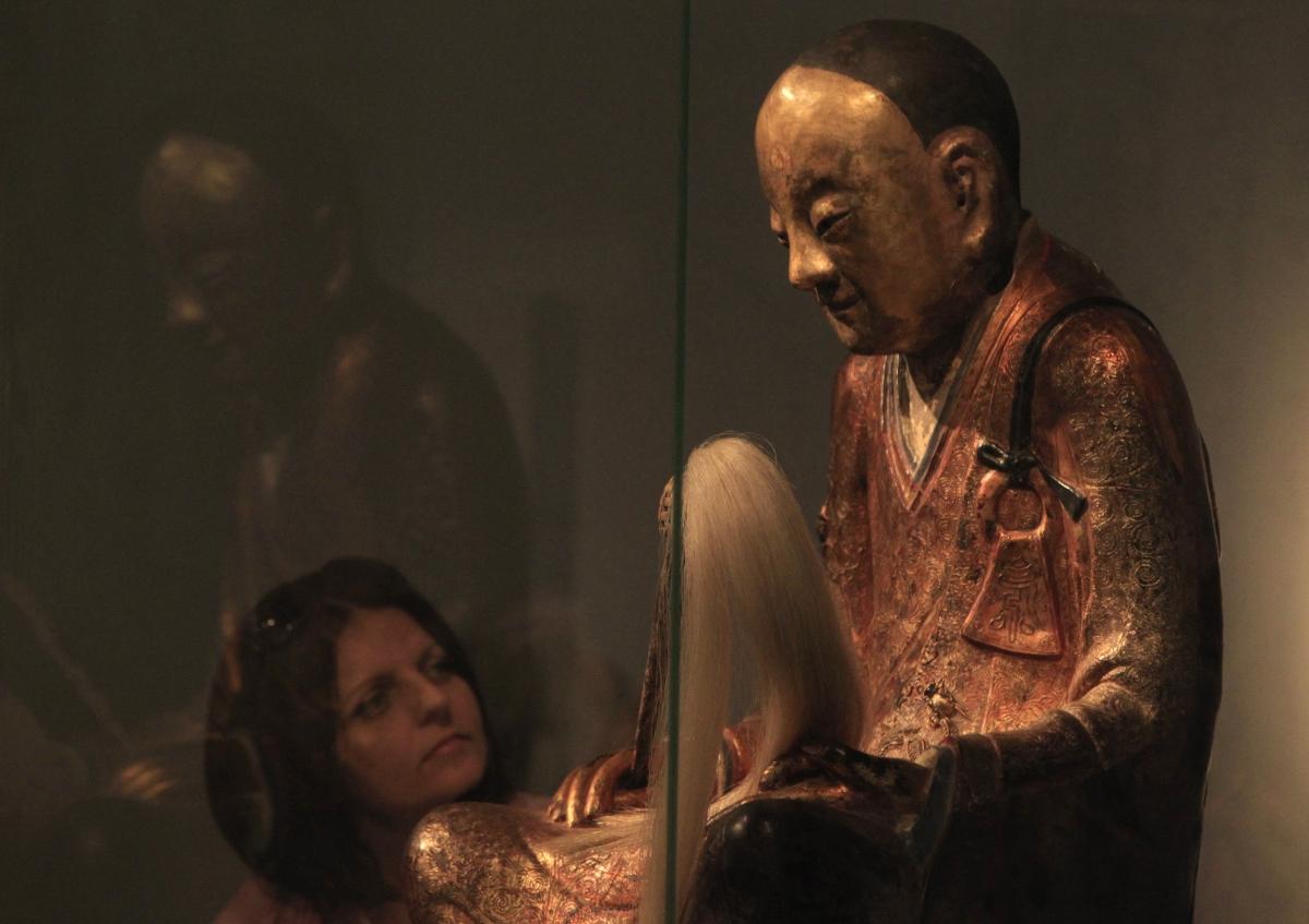 Buddha statute