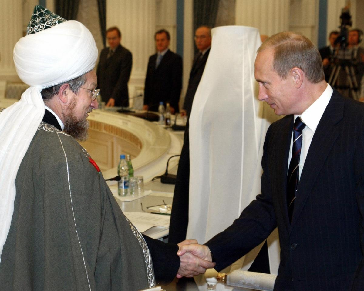 Grand mufti Talgat Tajuddin meets Putin