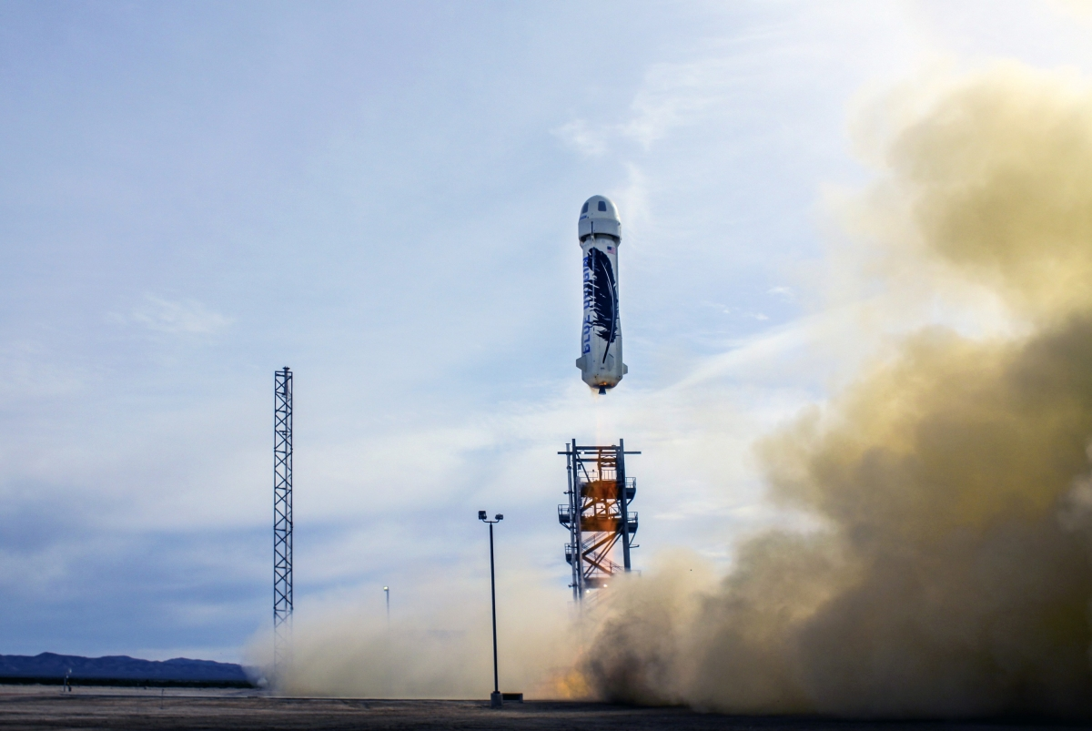 Blue Origin\'s New Shepard takes off