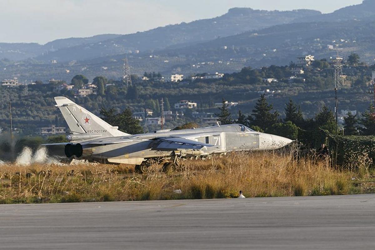 Sukhoi Su-24 fighter jet, Hmeymim air base