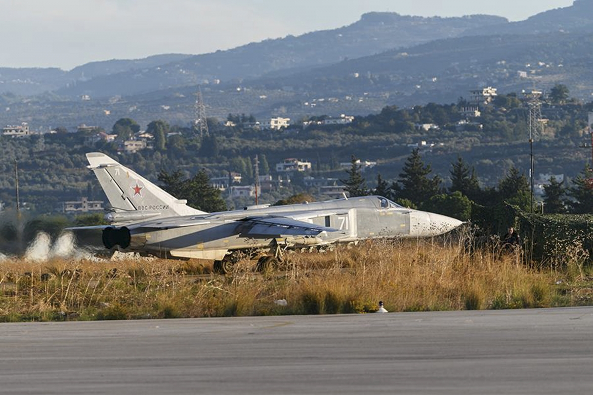 Sukhoi Su-24 fighter jet, Hmeymim air base
