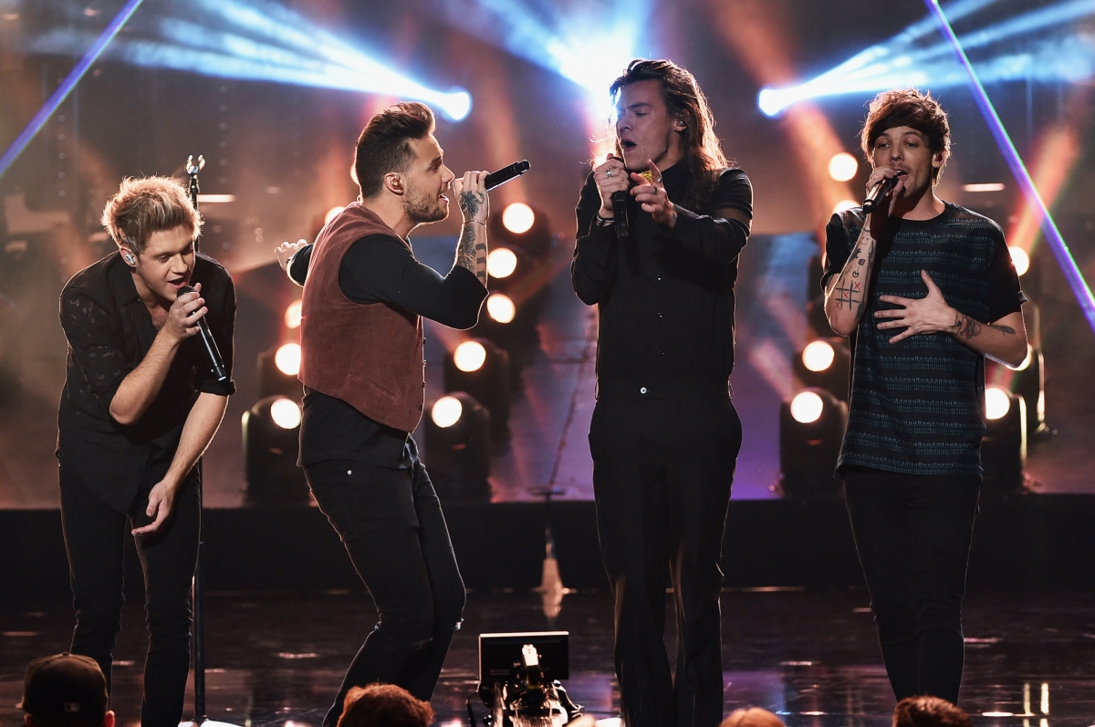 One Direction performance
