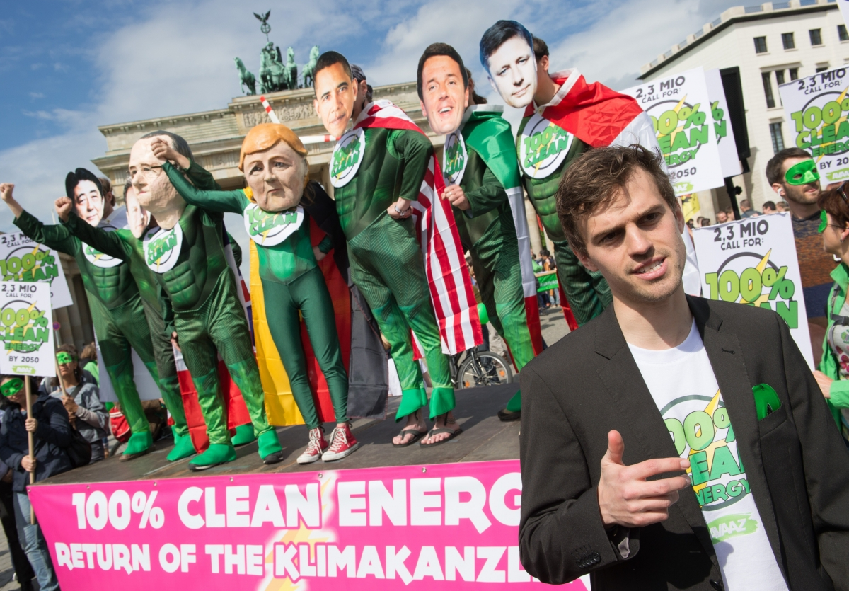 Campaigners call for 100% clean energy