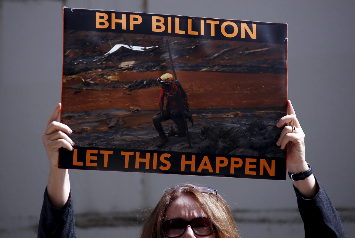 Brazil dam disaster: Government to sue Samarco and its shareholders, BHP Billiton and Vale