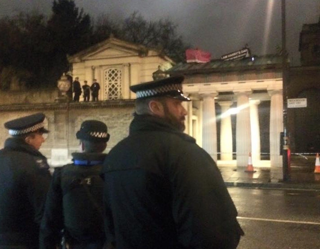 Protesters on Buckingham Palace