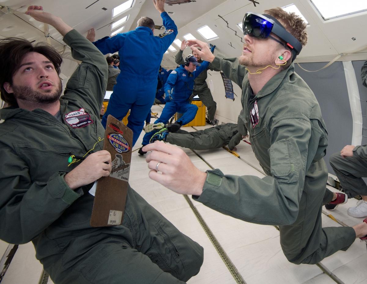 Nasa microsoft hololens ISS VR