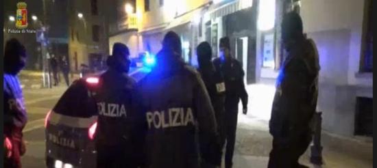 Italy kosovo Isis