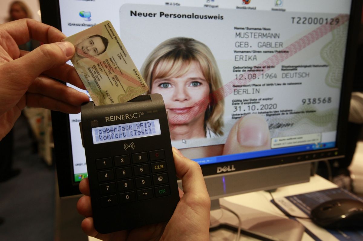 German ID cards now come with RFID