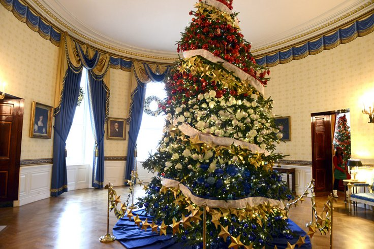 white house christmas a decorated