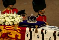 Koh-i-Noor diamond on Queen Mother\'s coffin
