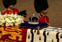 Koh-i-Noor diamond on Queen Mother\'s coffin