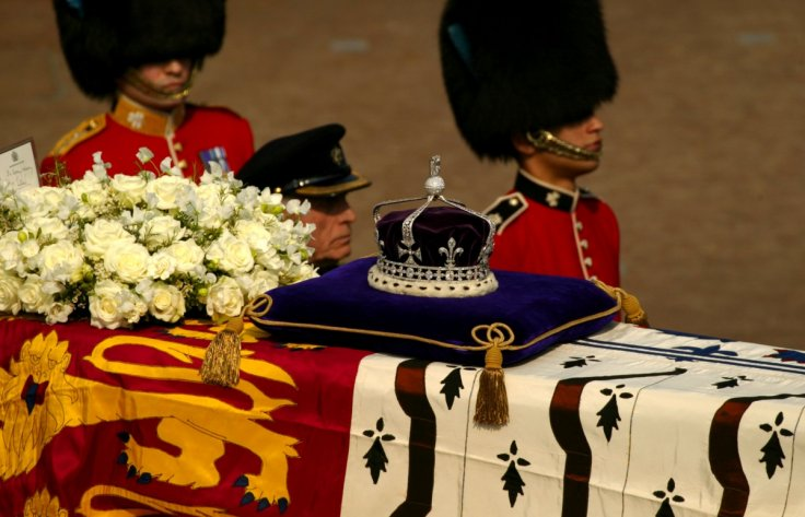 Koh-i-Noor diamond on Queen Mother's coffin
