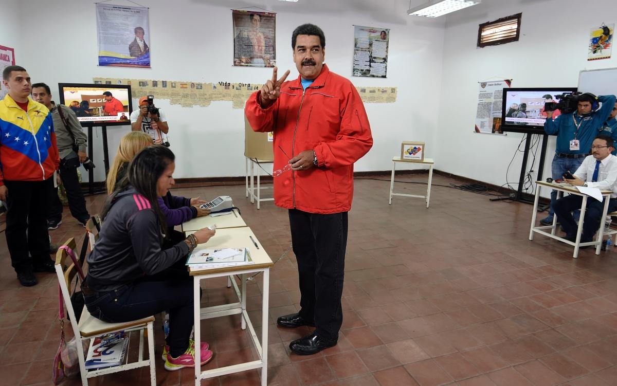 Maduro votes