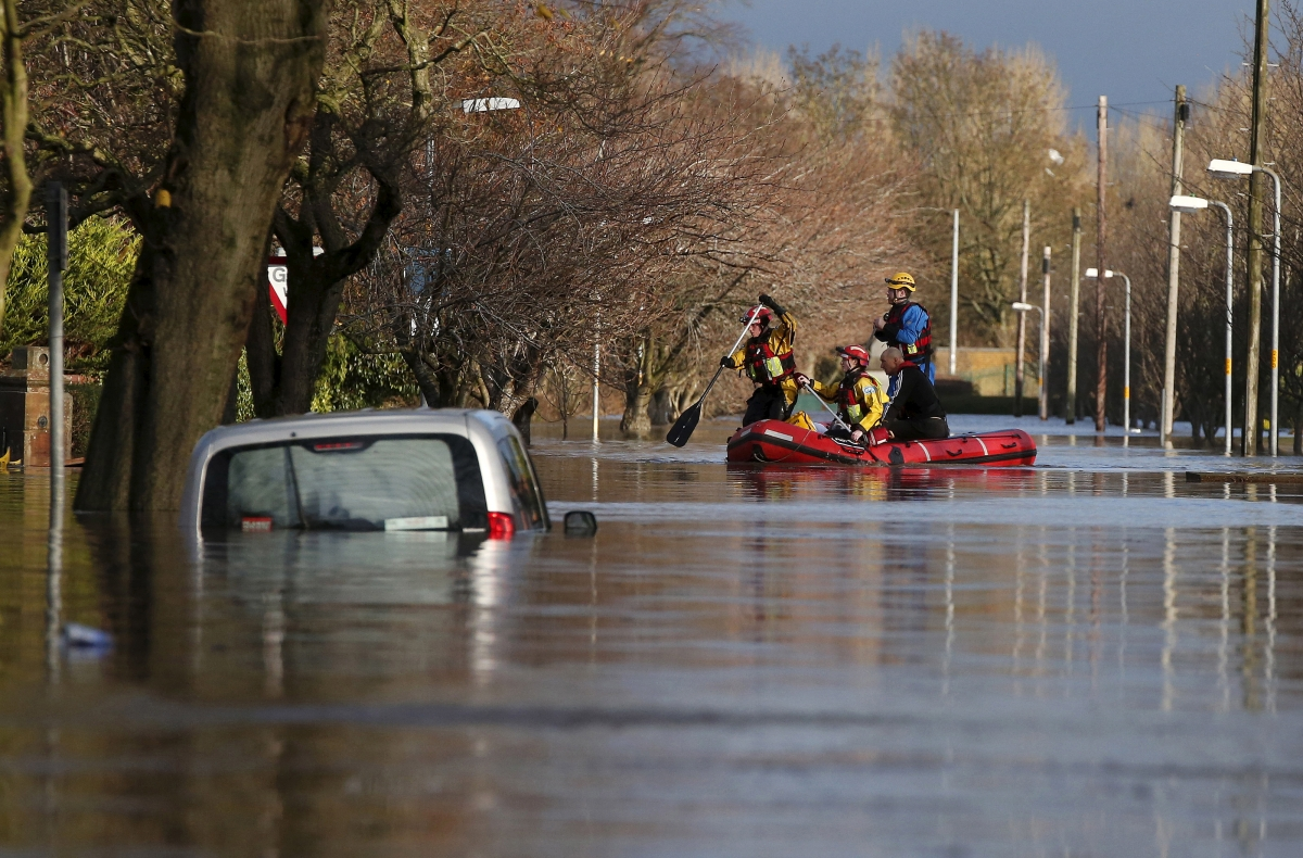 storm desmond  more rain warning as several deaths